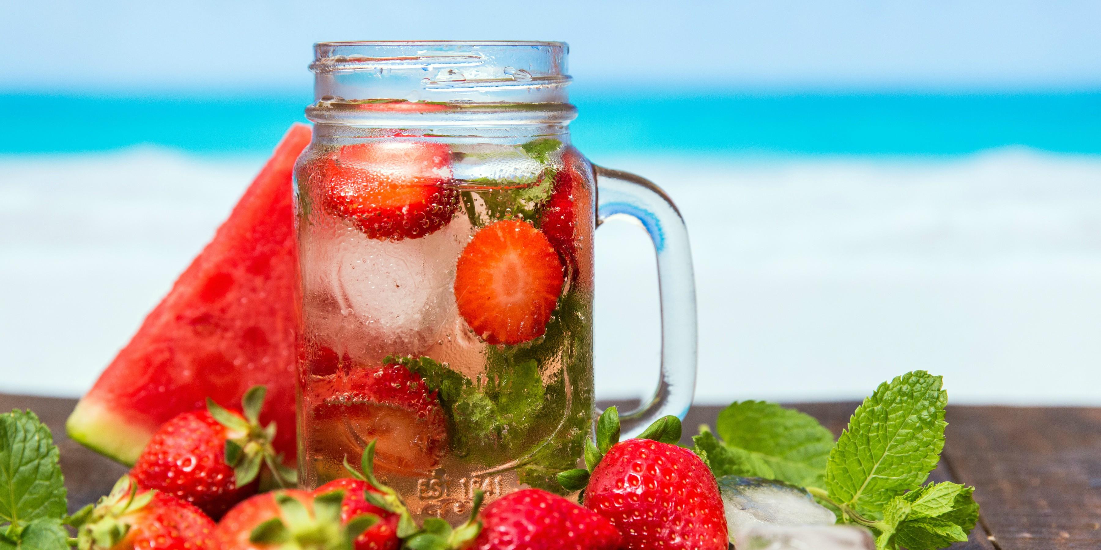 <p>Ce qu&#39;il faut boire (ou pas) en cas de fortes chaleurs&nbsp;</p>