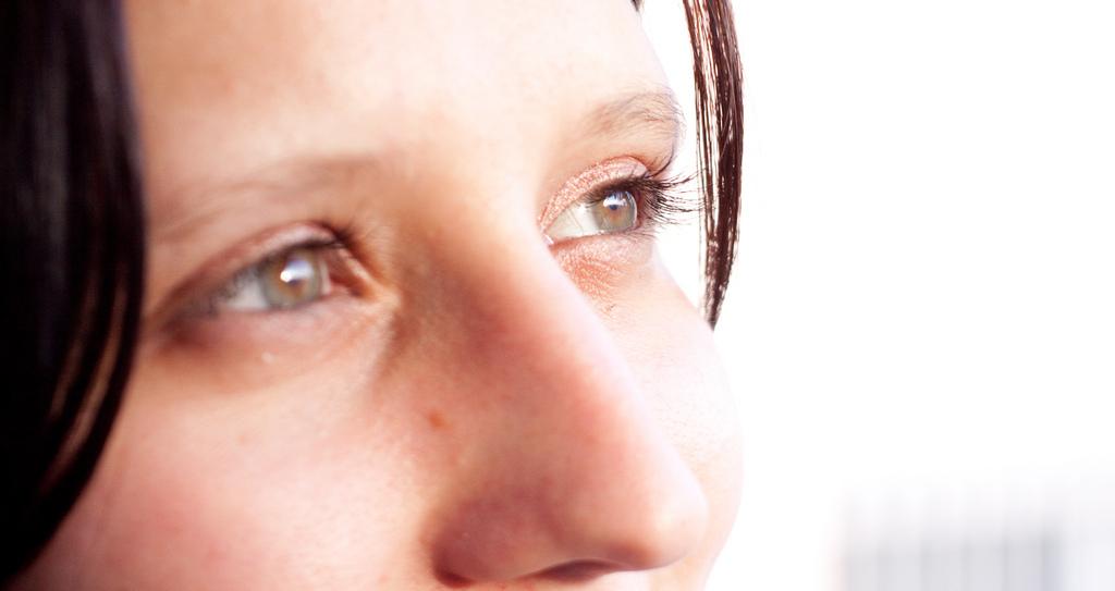 <p>Gymnastique faciale : 7 exercices pour dessiner son visage</p>