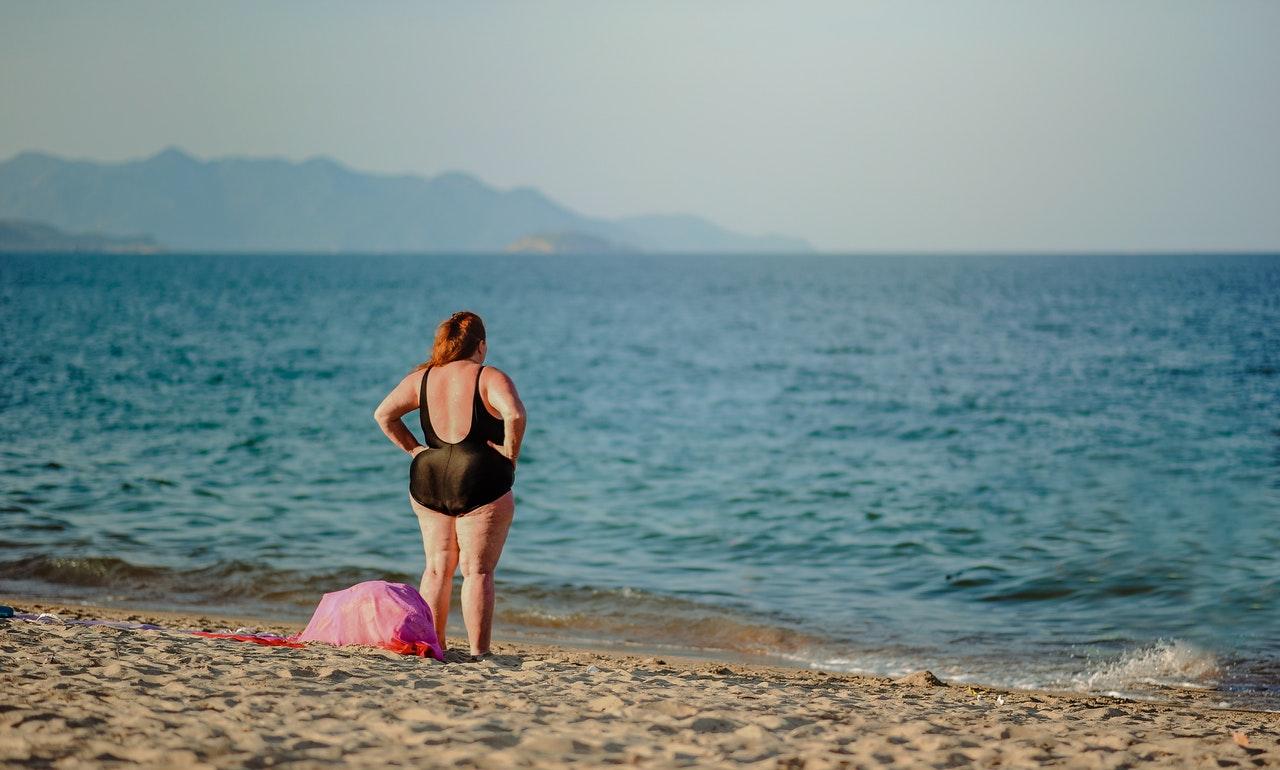 <p>#objectifbikinifermetagueule, le hashtag qui encourage les femmes à poser et s'accepter en bikini</p>